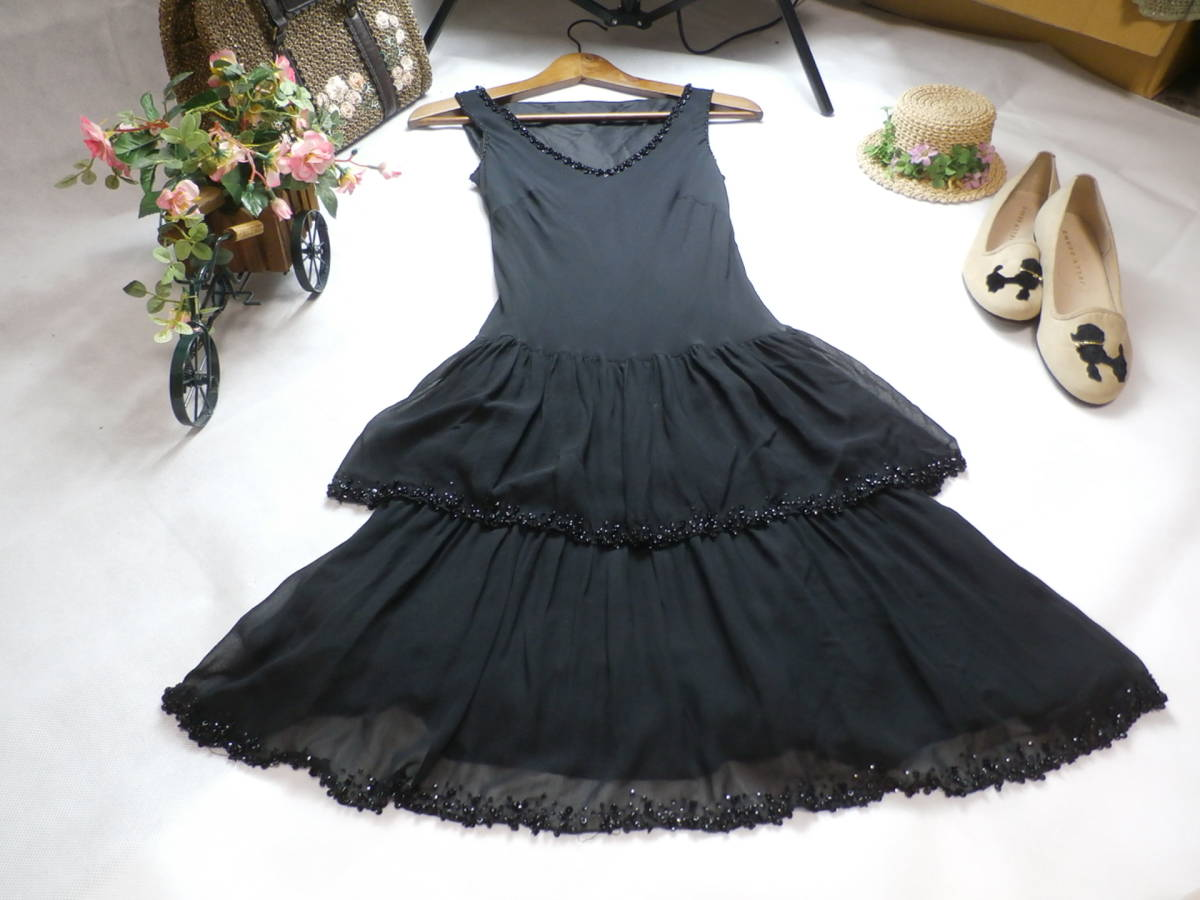 abc6ab35cea22 ストロベリーフィールズ☆シルク素材☆きらきらビジューたっぷり☆フリルワンピース☆パーティー☆ドレス
