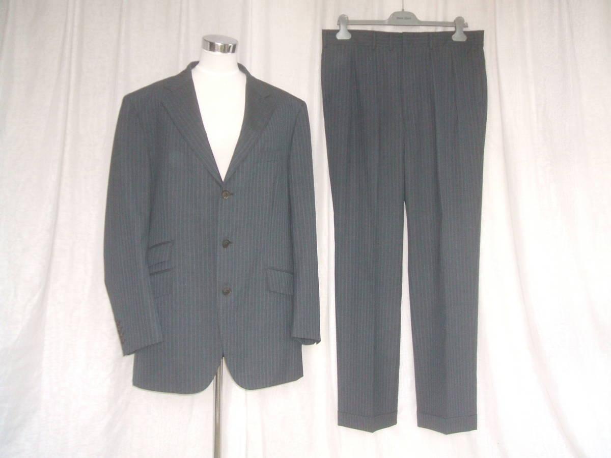 53d5fe8c3929f バーバリーロンドン BURBERRY LONDON メンズ スーツ ダンディズム クラシック ピンストライプ グレー ガーメント付き トップスも 三