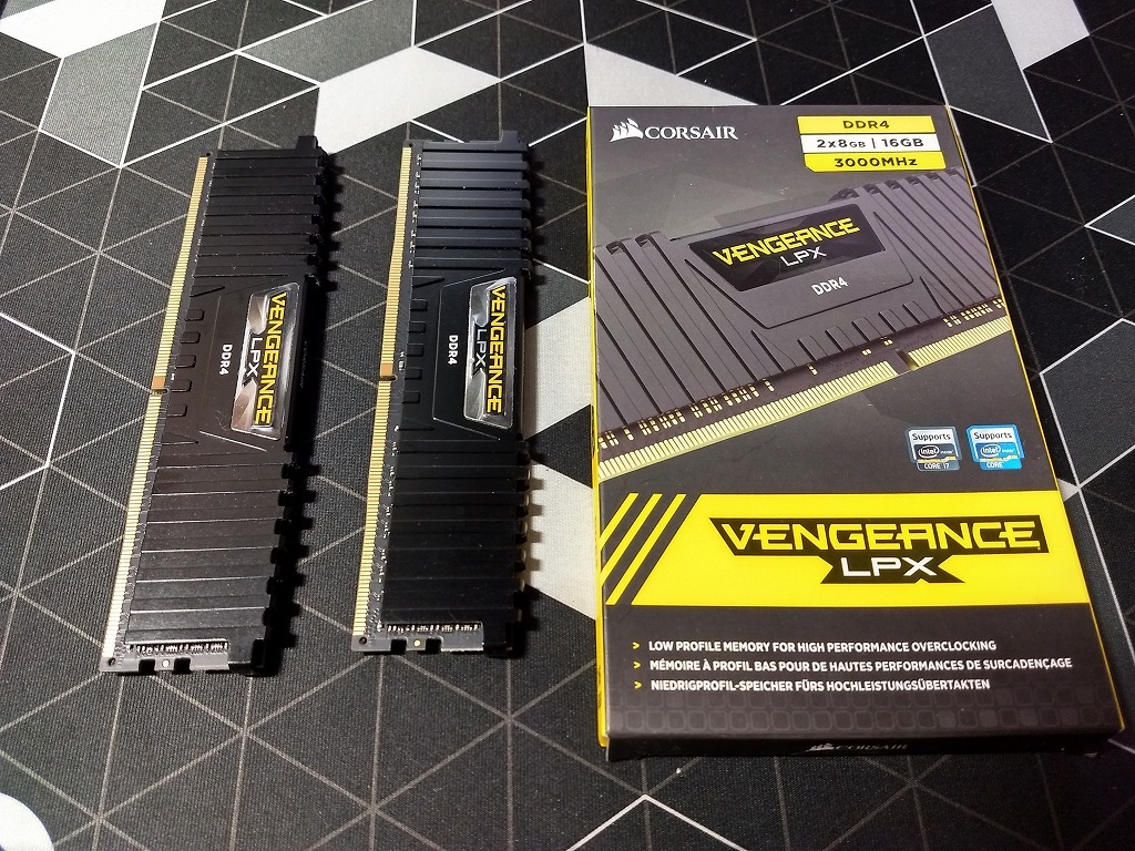 DDR4-3000 /16GB Vengeance LPXシリーズ CORSAIR