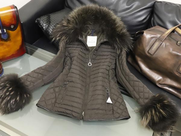 4bf7c263e2e2 極上品 モンクレール MONCLER 幻の豪華襟袖総毛皮ファーコレクションダウンコート 1