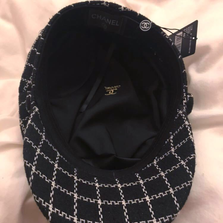 9bfa196fa194 ... 新品未使用 帽子 キャスケット ハンチング CHANEL シャネル ノベルティ モノトーン モード ぼうし 黒の3番目