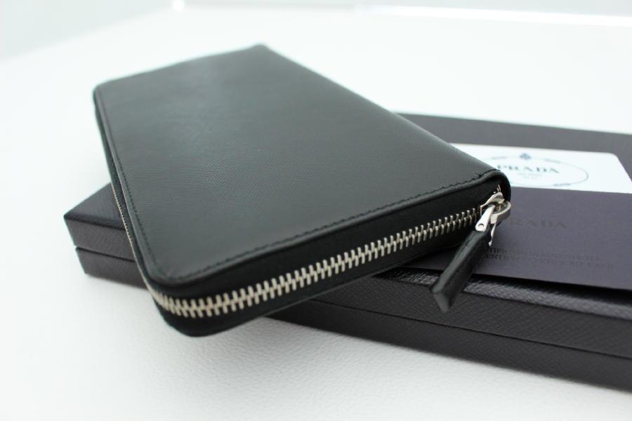 e25feffe122a 【PRADA プラダ】オーガナイザー トラベルポーチ トラベルウォレット パスポートケースと言えばこれ!