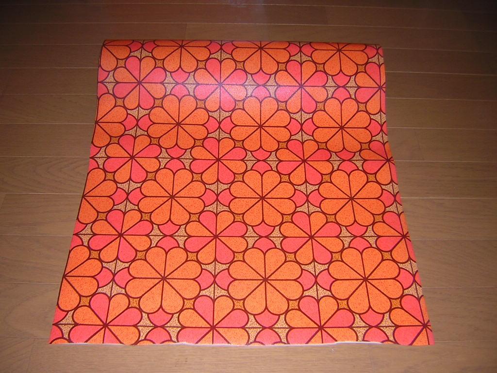 昭和レトロ ポップな花柄 クローバー柄 フロアシート クッションフロア