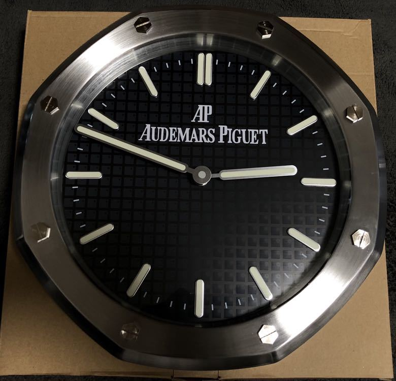 cf63a46741cb 新品 オーデマピゲ ロイヤルオーク 掛け時計 ノベルティ 非売品レアの1番目の画像