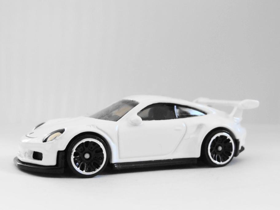 2018 Hot Wheels Porsche 911 GT3 RS white LOOSE