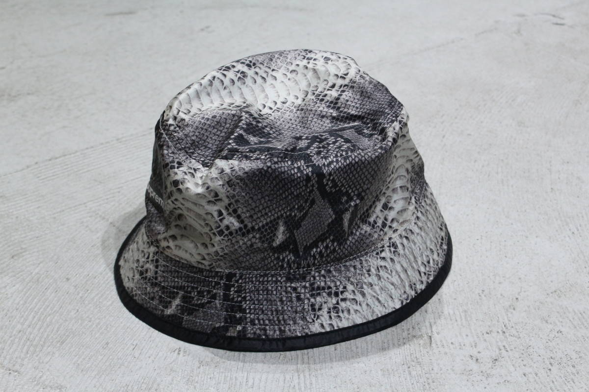 ... 18ss Supreme x The North Face Snakeskin Packable Reversible Crusher Hat  ノース フェイス スネーク ブラック リバーシブル 43b24a5832ac