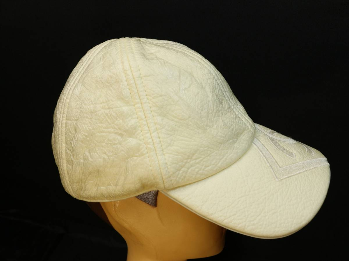 8650ad3f1a0f ... 本物保証 シャネル スポーツライン キャップ 帽子 デカ ココマーク CC ボックス ロゴ アイボリー コットン
