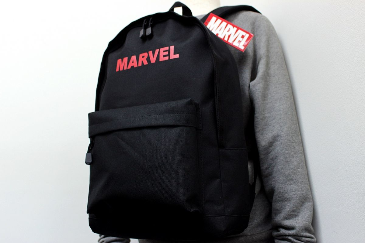 64b7e622724d マーベル MARVEL 新品 男女兼用 ロゴ プリント バックパック リュックサック 黒赤[MVMBBK60