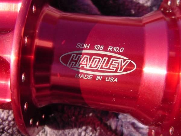 中古】HADLEY SDH 135 R10 0 135×10㎜スルー RED の落札情報詳細