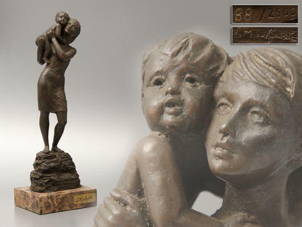 X867. スペイン人彫刻家 L.M.Lafuente作 ブロンズ 女性と子供 高さ34.8 ...